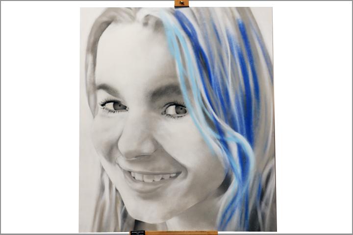 girl highlights portrait spraypaint